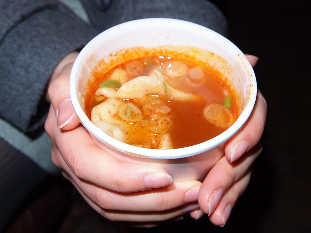 ピリ辛スープ餃子でほっかほか!